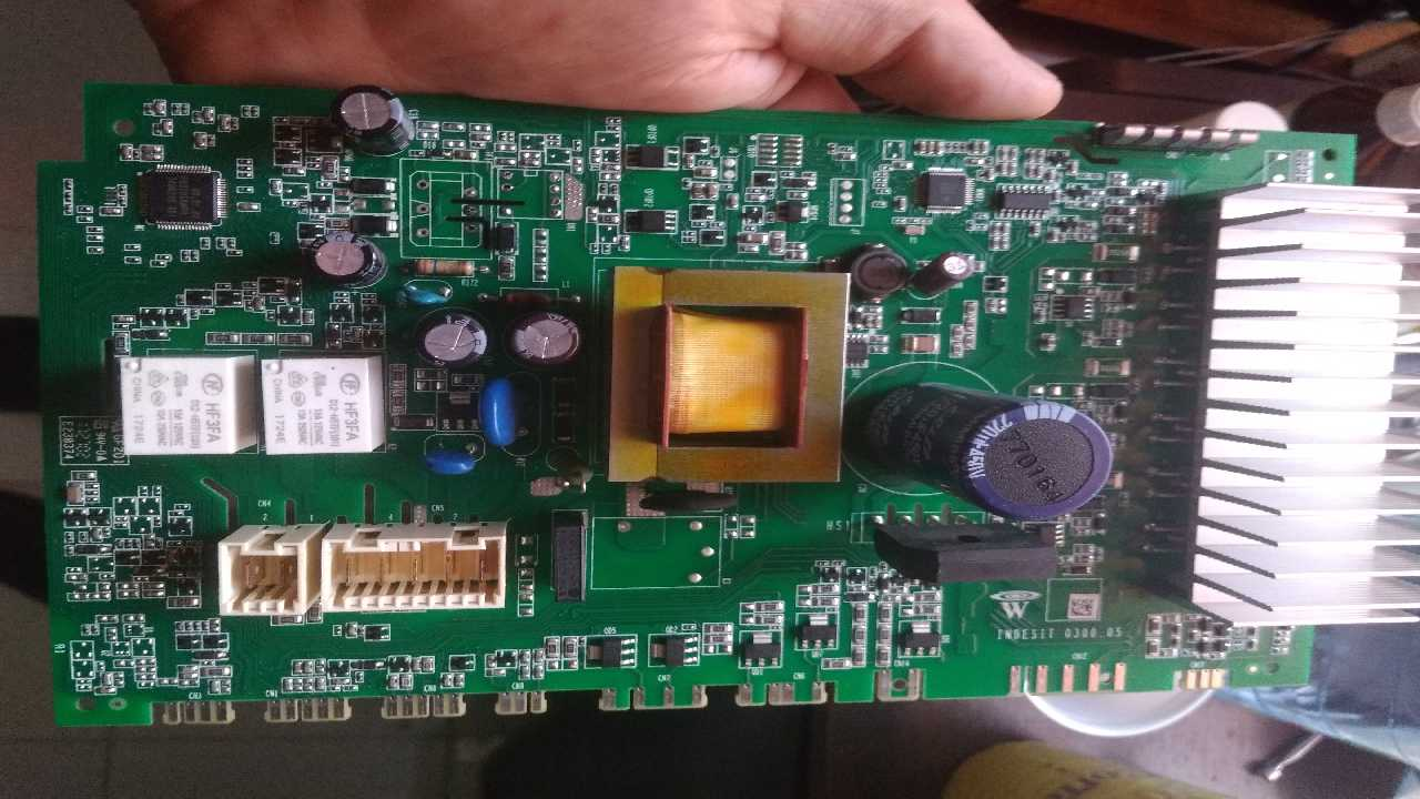 Стиральная машина Indesit Innex утопили, нужна замена транса