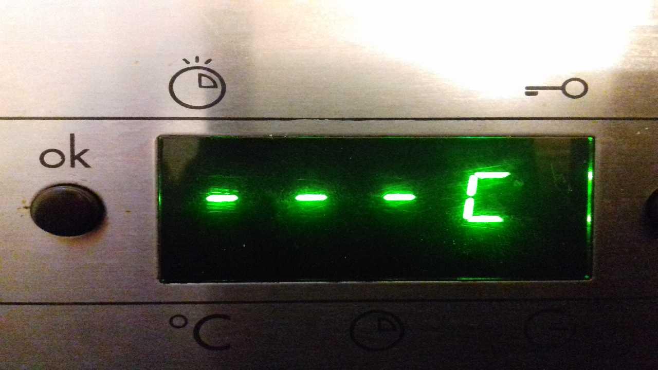 Электрическая духовка WHIRLPOOL AKP 239 DUMP ATMEGA16