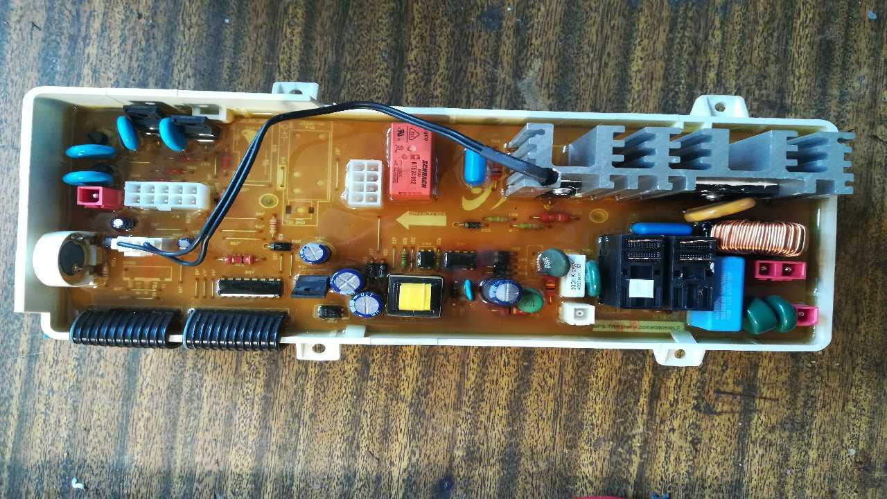 Стиральная машина автомат  Samsung WF-R1061